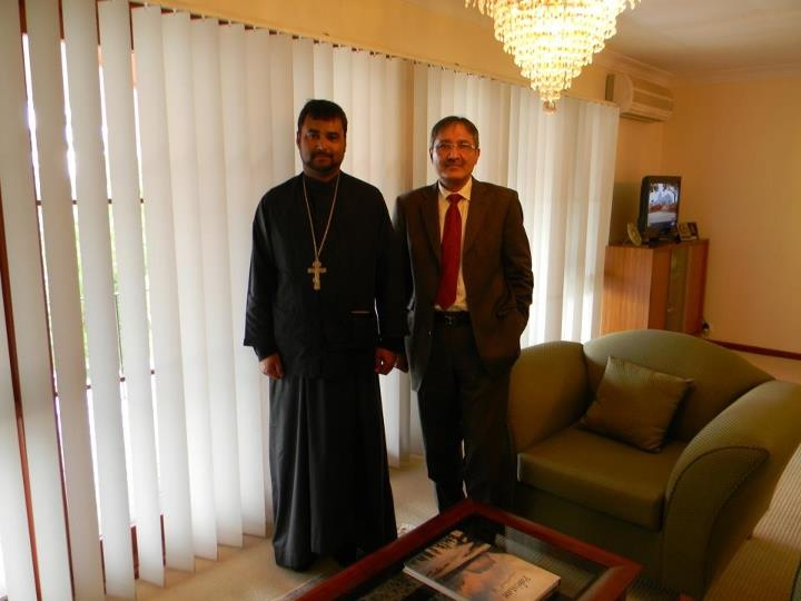 Fr Adrian with Pakistan High Commissioner web
